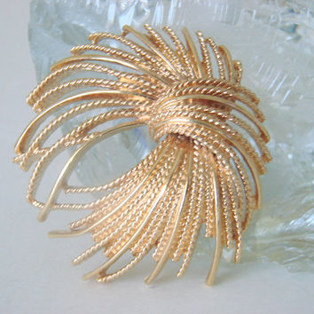 Monet Modernist Textured Gold Tone Brooch * Designer Signed * Vintage Jewelry