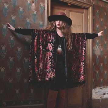 The Queen of 70's kimono//Brown hand-beaded silk burnout velvet kimono, paisley pattern.