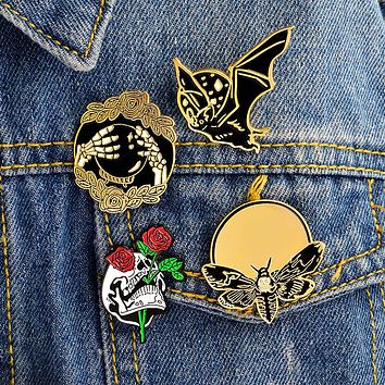 4pcs/set Bat Bee Rose Skull Hand Ball Skeleton Brooch Punk Enamel Pins Buckle Denim jacket Shirt Collar Lapel Pin Badge Jewelry