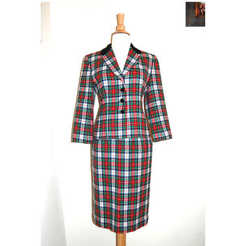 vintage pendleton wool blazer and skirt suit set . holiday plaid . velvet collar . size S