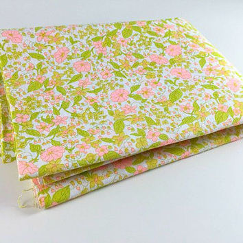 Vintage Fabric Pink Green  Flower Retro Floral Fabric Quilting Sewing Scrapbooking Crafts 3 Yards