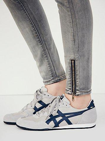 buy popular 10a0a 9b1e1 Onitsuka Tiger by Asics Womens Russell Runner