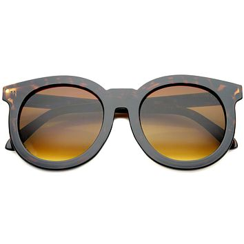 Women's Round Horned Rim Flat Lens Sunglasses A136