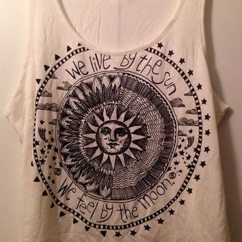 Celestial Sun and Moon sleeveless crop tee top sz medium or large