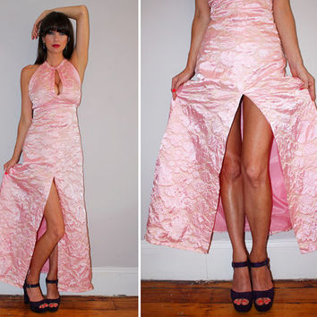 Vintage 70s Sexy Halter Maxi Dress / HIGH FRONT SLIT / Pearl Pink Quilted Floral Print / Empire Waist / Formal, Party, Prom / Ooak / Small
