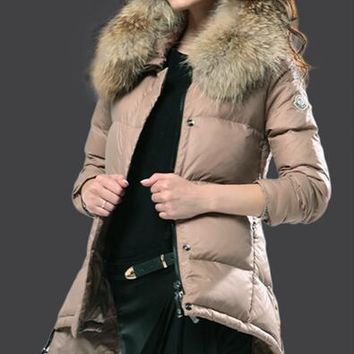 Moncler Luxury Fur Collar Womens Down Coat 8817 Camel