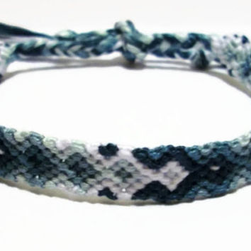 Gradient Blue Arrowhead Pattern Embroidery Friendship Bracelet, Ombre Blue Arrow Pattern Bracelet