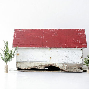 Vintage Rustic Wood Birdhouse - Red and White Chippy Home Decor, Weathered Wood, Farmhouse Decor, Whimsical Autumn Home, Shabby Chic Cottage