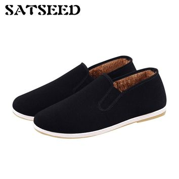 Winter Women Flat Shoes New Old Beijing Cloth Shoes Anti Slip Big Size 44 Warm Casual Round Toe Comfortable Shoes Rubber Sole