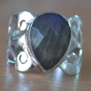 Labradorite Gemstone 925Sterling Silver Ring,Handmade Artisan Ring Jewelry,Birthstone Labradorite Ring,Solitaire Ring,Teardrop Stacking Ring