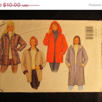 SALE Uncut Butterick Sewing Pattern, 6835! 20-22-24 Large/XL/XXL/Plus/women's/Misses/Hooded Coats/Button Up Jackets/Collared Jackets/winter