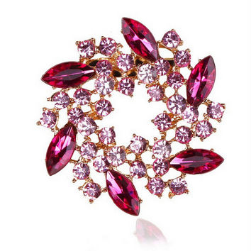 Pack of 4 pieces Beautiful Crystal Rhinestones Fashion Flower Brooch Pins for Lady in assorted