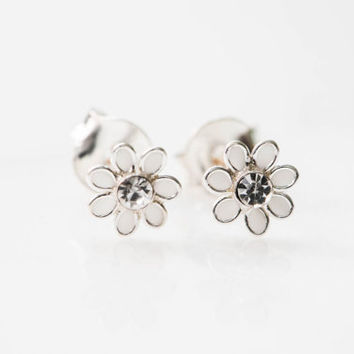925 sterling white stud earrings,sterling earring,bridesmaid gift,flower earring,simple earring,everyday wear,dainty stud,Cute stud,GBA002
