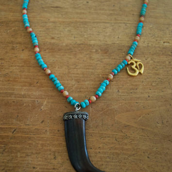 BEADED TURQUOISE HORN necklace