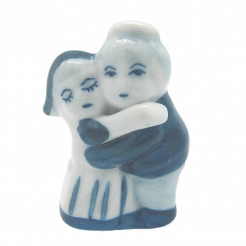 Wedding Favor Figurine Dancing Couple