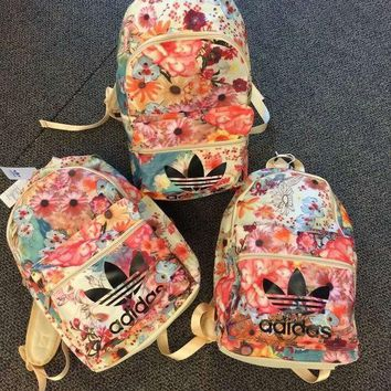 DCCKL7H adidas Originals Backpack In Flowers Prints