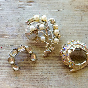 Rhinestone Brooches, Wedding Brooch Bouquet Supplies, Vintage Jewelry, Scatter-pins, Mothers Gift, Set of 3