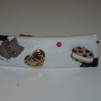 Hair Barrette - Brown Cat Loves a Chocolate Chip Cookie - on White (Right) - Cat Ornament Hair Clip
