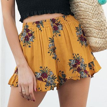 8DESS Floral print shorts women Elastiac waist pleated beach shorts Casual streetwear loose shorts