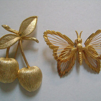 Pretty Vintage MONET & Sarah COV Coventry Gold Tone Beutiful Lovely Butterfly and Apple Leaf Pins Brooches EXCELLENT Condition Ready to Wear