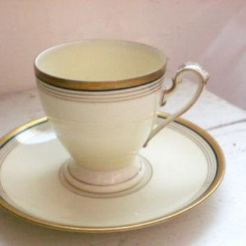 Eschenbach Bavaria Tea Cup, Lohengring cup, tea time, tea cup, demitasse tea cup, gold rimmed, striped cup, small tea cup, cream colored