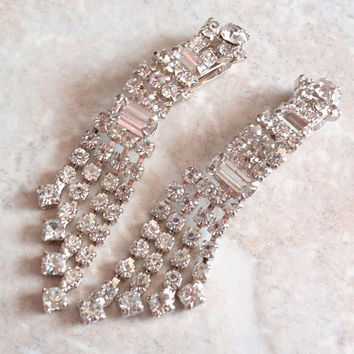 Crystal Rhinestone Earrings Waterfall Shoulder Dusters Silver Tone Clip On Vintage 030515SC