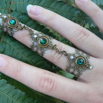 Swarovski triple armor ring nail ring GREEN claw ring knuckle ring steampunk goth vampire victorian goddess pagan witch boho gypsy style