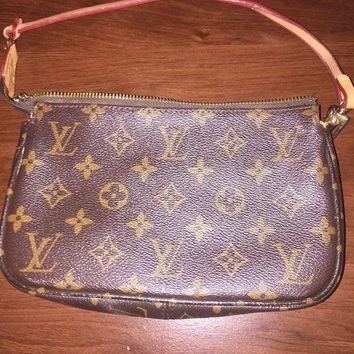 LMFGQ6 Louis Vuitton Womens Wallet Purse Duffle bag Brittany Zippy Monogram