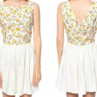 60s Floral Dress White Mini V BACK 1960s Garden Party by ShopExile