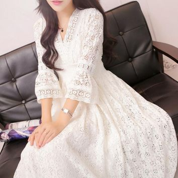 2017 Summer Fashion Vintage Princess Lace Long Dresses Three Quarter Sleeve Elegant V-Neck Ruffles Women Dress Hot Sale