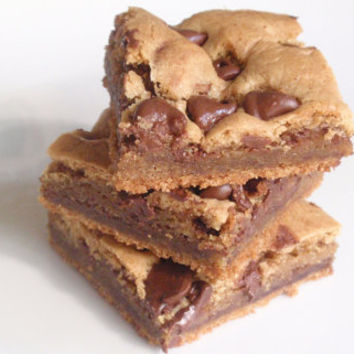 Peanut Butter Blondies - Chocolate Chip Cookie Bars - six bars