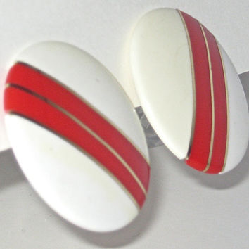 Big Round Earrings, Vintage Earrings, Red and White Earrings, Clip On Earrings, Lucite Button Earrings, 60s Mod Jewelry, Vintage Accessories