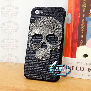 Skull iPhone 5 Case Personalized Case Cover Skull Cell Phone Case Cover Black Glitter Plastic Cover Steampunk Handmade