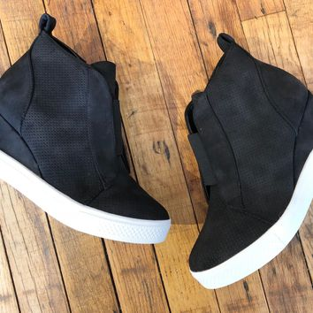 Winslet Wedge Sneaker in Black