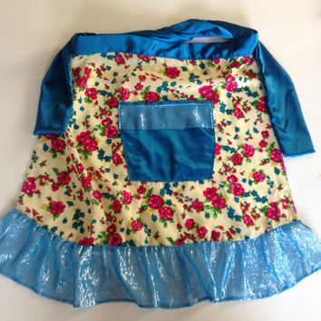 Cute  Blue floral Apron, Gift for girl, Picnic apron Pocket Ruffles apron, Hostess gift, Housewarming gift, Gift for niece, Gardener gift