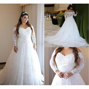 Elegant Lace Plus Size Wedding Dresses Sheer Long Sleeves Bridal Gowns