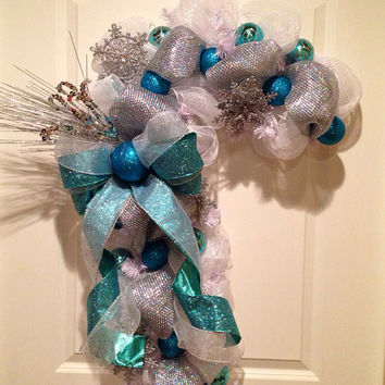 Extra full white/silver/turquoise deco mesh candy cane