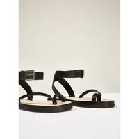 STUDIO LEATHER STRAPPY SANDALS DETAILS