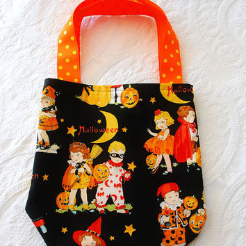 Halloween Trick or Treat Tote Bag in Vintage by boutiquevintage72