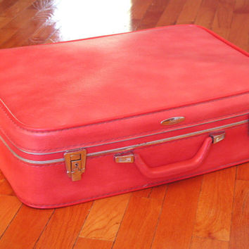Sears Featherlite Red Medium Suitcase & KEY  Vintage Luggage