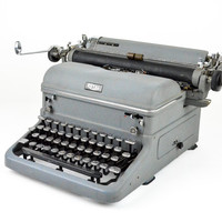 Antique 1940s Royal Typewriter Grey with Glass Keys / Working Condition