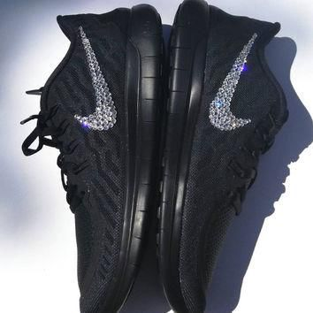 Blined nike free run, bling nike sneakers, custom nike shoes, bling nike shoes, blinge