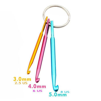 Crochet Hooks Key Chain Mini Crochet Hooks 3 sizes Needle A Tool For Crocheters and Knitters