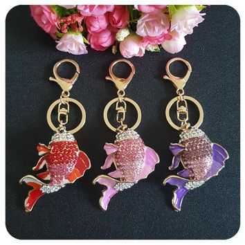 MOOSA Luxury Enamel Rhinestone Goldfish Key Chains Holder Fish Design Bag Buckle DIY Pendant For Car Keyrings Keychains Trinkets