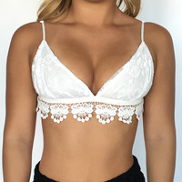 Victory Lace Bralette In Ivory