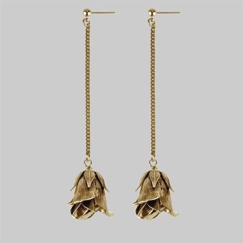 A SINGLE ROSE. Rose Drop Chain Earrings - Gold – REGALROSE