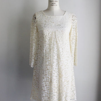 Vintage 1960s Off White Lace Mod Mini Wedding Dress
