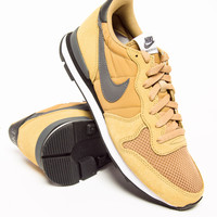 Nike Internationalist Hay/Blk/Wht Yellow