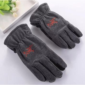 Arcteryx Winter Popular Woman Men Warm Knit Gloves Grey