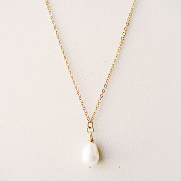 Simple Pearl Necklace, Gold Bridal Necklace, Wedding Necklace, Bridesmaid Gift, Wedding Jewelry, Gold Necklace, Gold Chain, Dainty, Thin